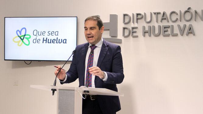 José Luis Ramos anunció ayer en la Diputación la lista con los premiados con la Medalla de Oro.