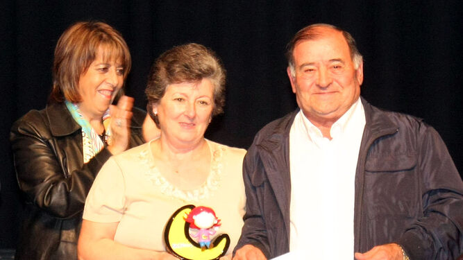 Isabel Aragón y Salvador Madrid, familia acogedora.