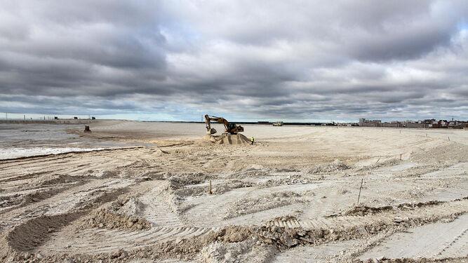 Balsas de fosfoyesos en las marismas del Tinto, a apenas 500 metros de la capital onubense.