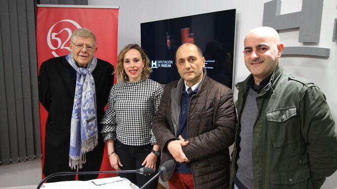 Laura Martín, ayer, acompañada por Juan Carlos Castro Crespo, Aamir Assaleh y Antonio Cazorla.
