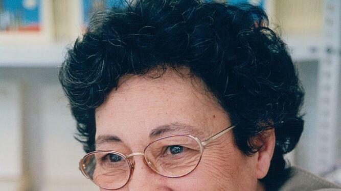 1. Inauguración de la jornada con la profesora Rosa García, acompañada por la directora del IAM, Eva Salazar; el decano de Humanidades, Alfonso Doctor; y la vicepresidenta de la Diputación, Mª Eugenia Limón. 2. La cubana Georgina Herrera (Jovellanos, 1936). 3. Reina María Rodríguez  (La Habana, 1952). 4. Paca Aguirre (Alicante, 1930). 5. La colombiana Piedad Bonnett (Amalfi, 1951). 6. Nancy Morejón (La Habana, 1944).