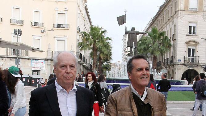 Eduardo Mendicutti y Juan Cobos Wilkins, en la edición del año pasado.