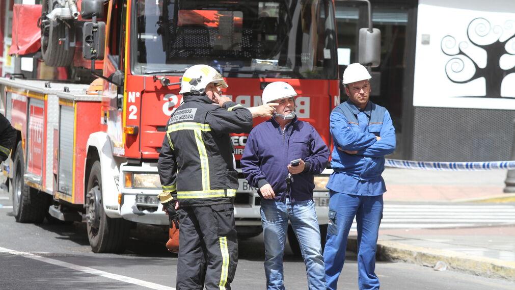 imágenes del incendio de un alternador de un edificio del Centro