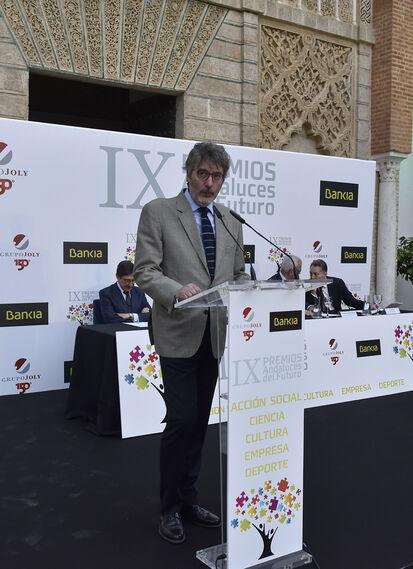 José Ignacio Rufino, secretario del jurado, durante la lectura del acta.