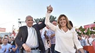 El acto de campaña de Susana Díaz en Sevilla, en imágenes