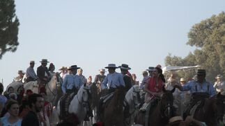 El paso de las hermandades por el río Quema, en imágenes
