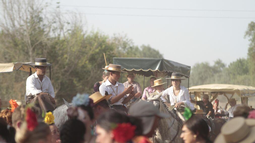 Las hermandades cruzan el vado del Quema