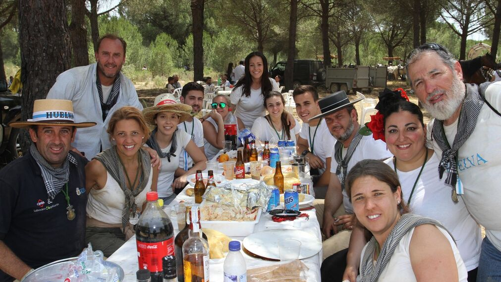 Imágenes del camino de La Hermandad de Huelva hacia la aldea.