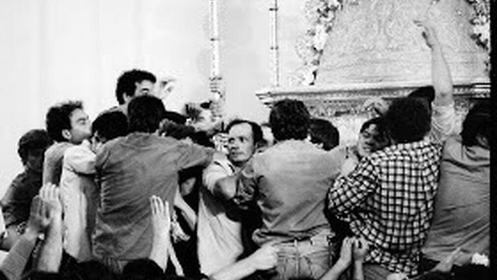 Salto de la reja y procesión en los años 80