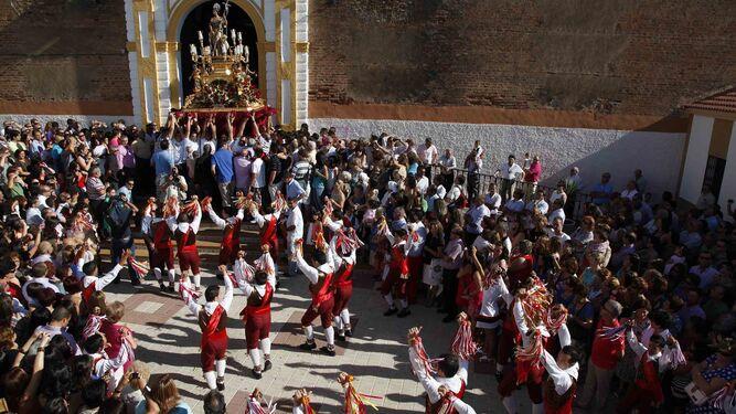 Procesión de San Juan Bautista en las fiestas patronales de Alosno.