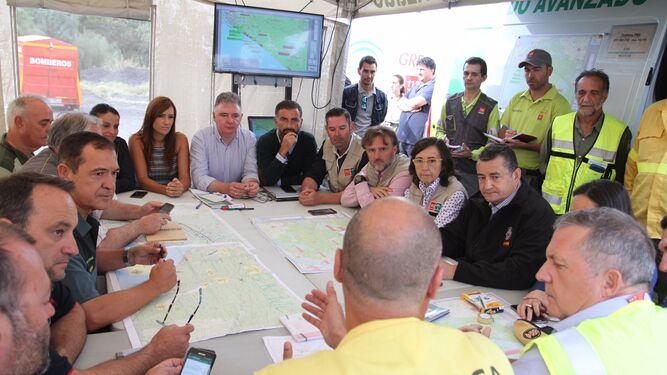 Reunión del centro de coordinación en la lucha contra el incendio registrado en el municipio de Mazagón