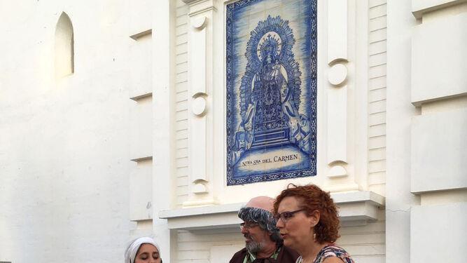 Un momento del recorrido, en la Parroquia de los Dolores.