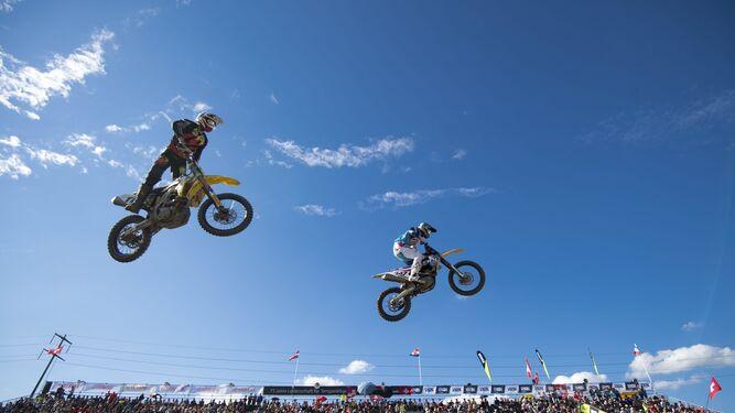A ver quién vuela más alto... en motoAlegría y decepción en Austria