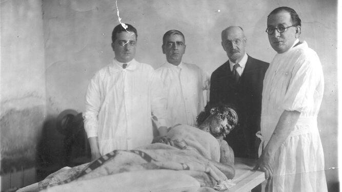 El vil asesinato del doctor Roncero