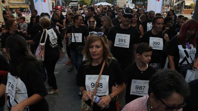 Niños y mayores participaron en la marcha.