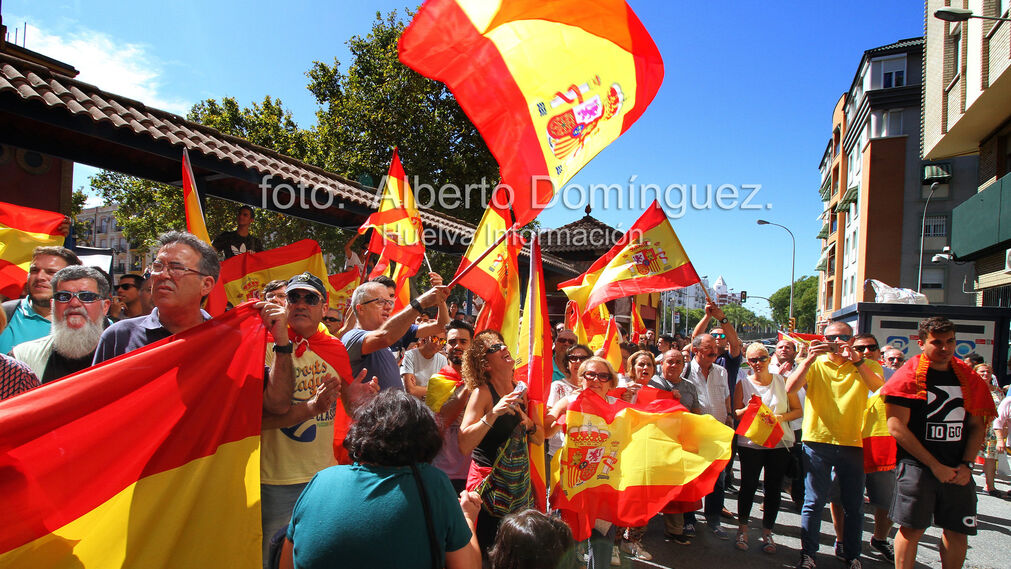 Imágenes de la expedición de Guardias Civiles de Huelva rumbo a Cataluña.