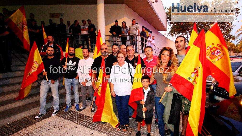 Imágenes de la expedición de Policías Nacionales de Huelva a Cataluña.