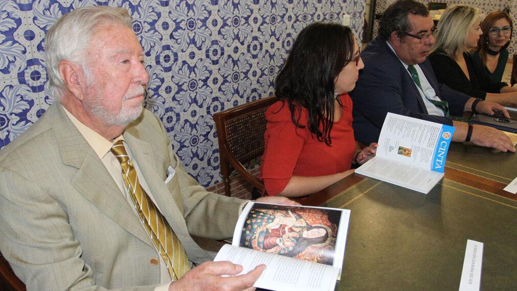 Imágenes de la presentación del libro en la Hermandad de La Cinta