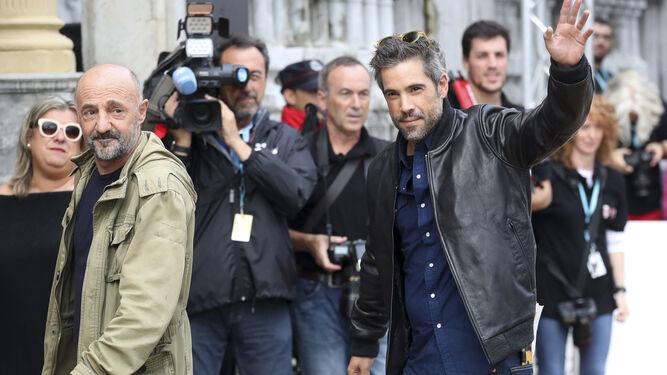 Ramón Agirre y Unax Ugalde saludan a los medios.