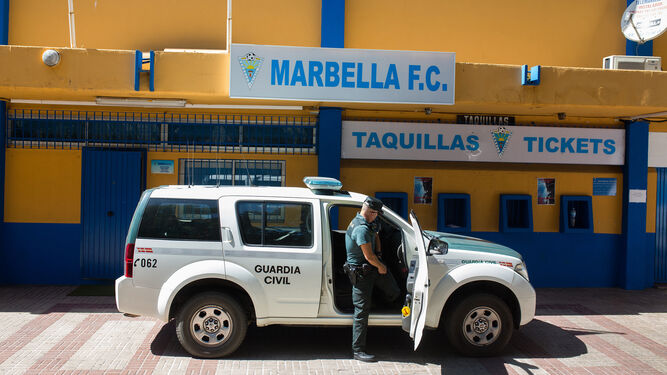La Guardia Civil, en las instalaciones del club.