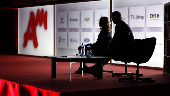 Presentadores de la última cita de los Premios Management.