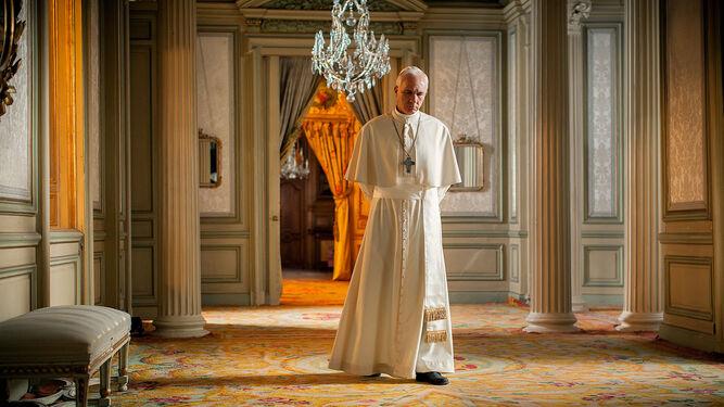 Grandinetti, caracterizado como el papa Francisco, en la película sobre el cardenal argentino Bergoglio dirigida en 2015 por Beda Docampo.