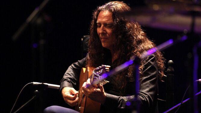 El guitarrista almeriense Tomatito, en su esperada actuación en Huelva, donde puso al público en pie.