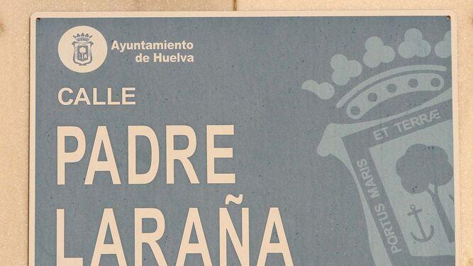 Imagen del padre Laraña, en la sacristía de los jesuitas de Huelva, sobre la calle que lleva su nombre .