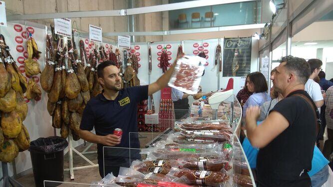 Aracena celebra su primera Feria del Jamón con Denominación Jabugo