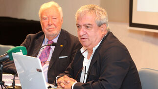 Conferencia de Manuel Galán Pérez sobre las oportunidades para Huelva en economía digital.