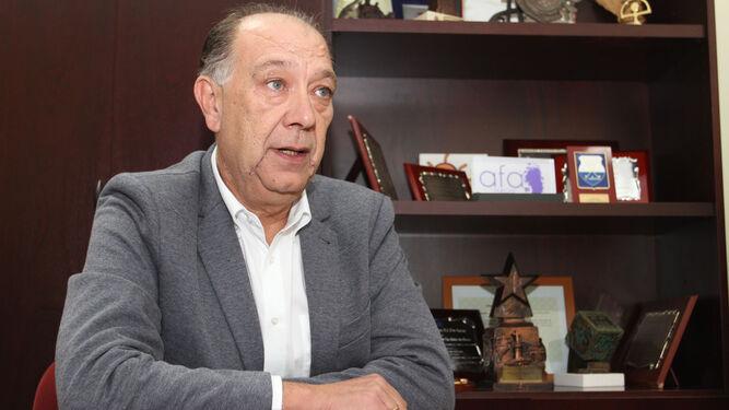 Ceca-Comercio reclama a la Junta que defina el horario de los negocios