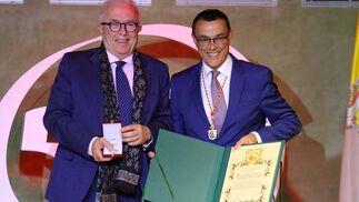 Imágenes de la entrega de las Medallas de la Provincia.