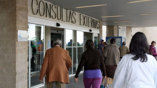 Acceso a las consultas externas del Juan Ramón.