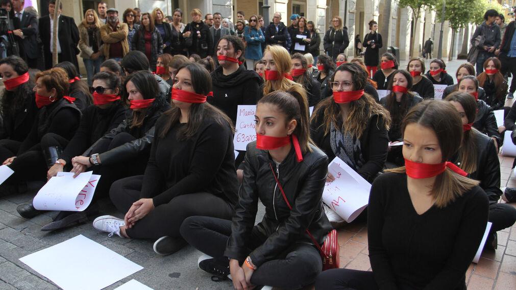 Lectura de manifiesto de violencia contra la mujer