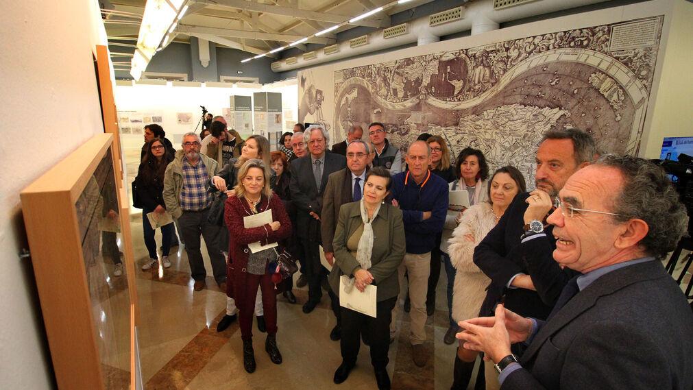 """Imágenes de la exposición  'Andalucía, la imagen cartográfica. Huelva, puerto, ciudad""""."""
