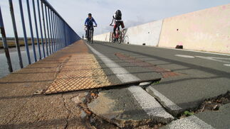Imágenes del mal estado del puente Sifón.