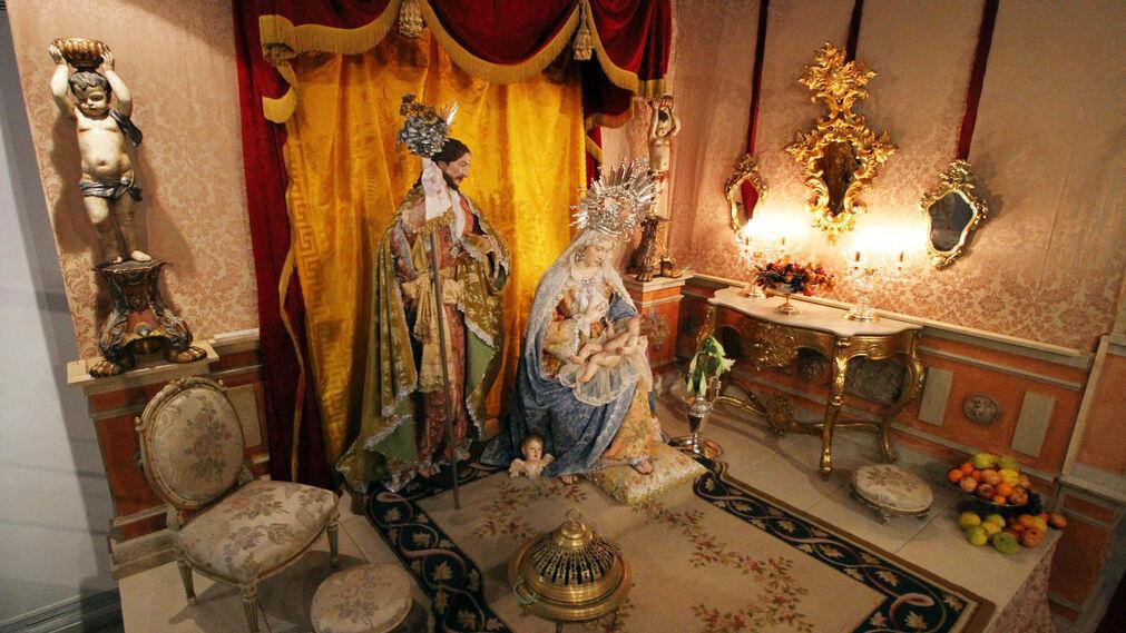 Imágenes del Belén de la Asociación Parroquial Nuestra Señora del Carmen.