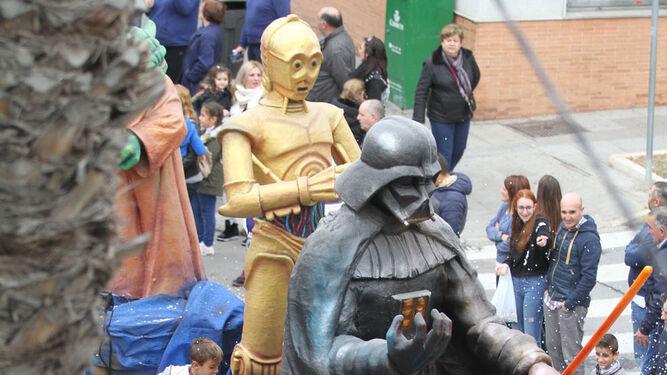 Darth Vader y compañía, liderando una de las carrozas.