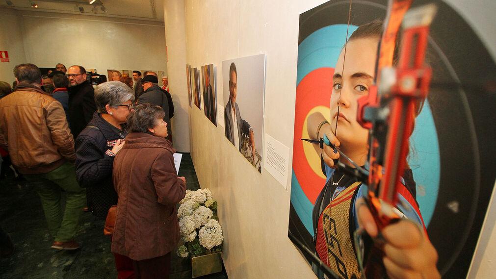 """Imágenes de la exposición fotográfica """"Retratos de una ciudad II"""", organizada por la asociación Huelva y sus fotógrafos."""