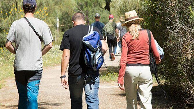 Visitantes en la Laguna Primera de Palos en anillamientos.
