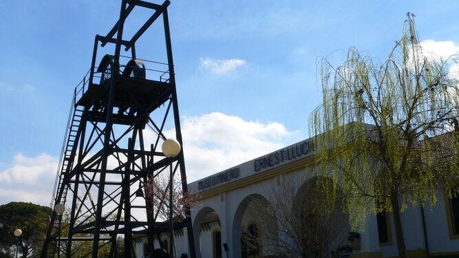 Malacate en el exterior del Museo Minero Ernest Lluch de Riotinto.