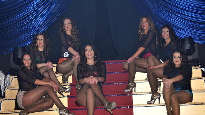 Baile final de las siete damas de este año, aclamadas por el respetable.