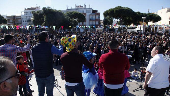 Cientos de puntaumbrieños se dieron cita en la inauguración de las carrnestolendas.
