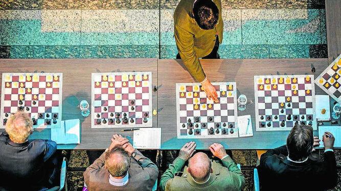 Anand, un campeón contra todosCarolina, un regreso dulce a la IndiaEl fichaje más caro y le sale a 'devolver'