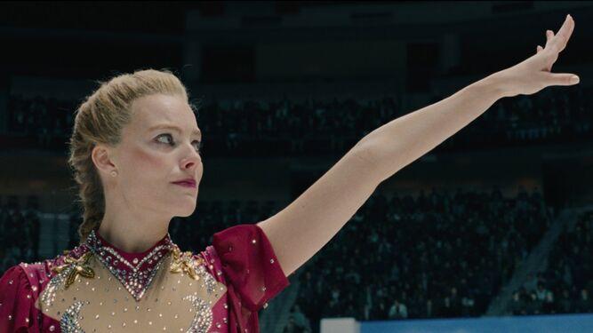 Margot Robbie en la película 'Yo, Tonya', que relata la rivalidad con Nancy Kerrigan en los Juegos celebrados en Noruega.