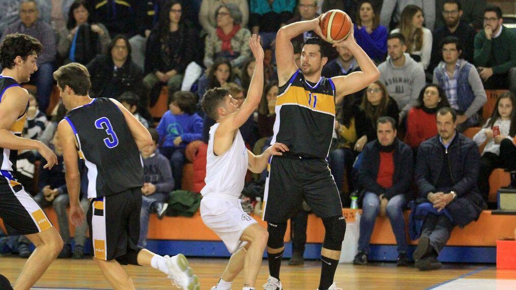 Imágenes del partido de baloncesto Enrique Benítez- Benahavís