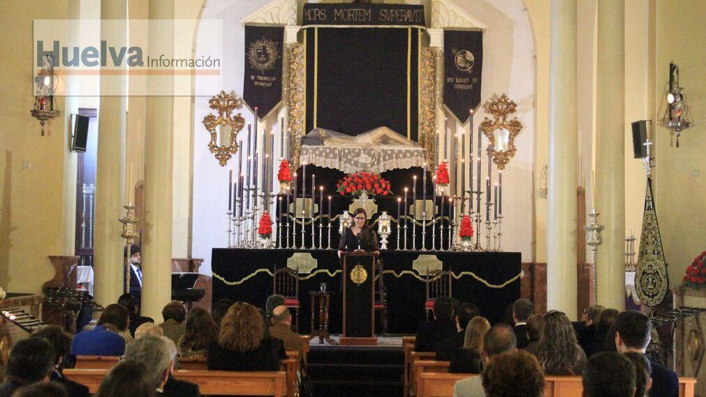 Imágenes del pregón del Santo Entierro en la ermita de la Soledad