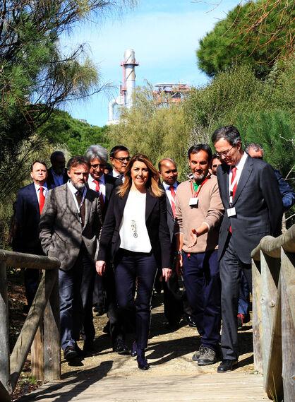 La presidenta de la Junta de Andalucía, Susana Díaz, y el consejero delegado de Cepsa, Pedro Miró, inauguran el proyecto 'Optimización de Aromáticos' de Cepsa, en imágenes