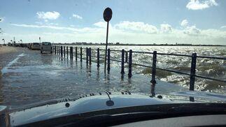 El temporal también pasa por Ayamonte y desborda el Guadiana