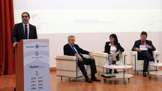 El presidente del Puerto de Huelva, José Luis Ramos, defendió el proyecto de desarrollo del Muelle de Levante.